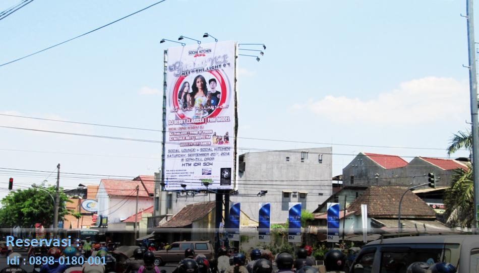 Papan Reklame Billboard dan Baliho